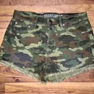 American Eagle Camo Cut Off Shorts Size 6